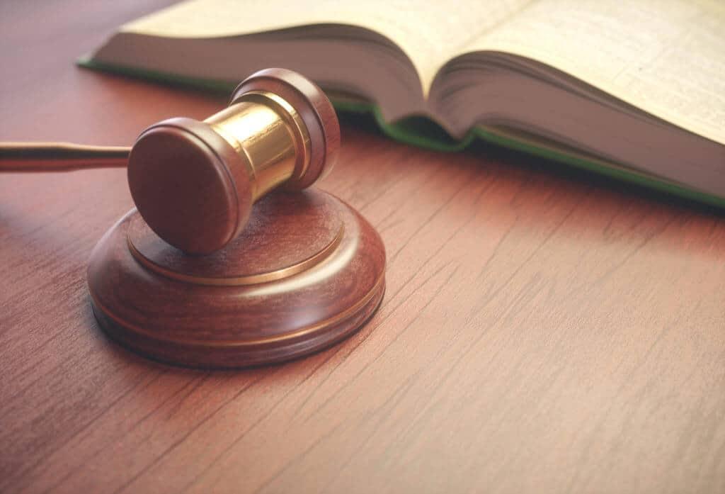 judge hammer and legislation book PQTRCVN